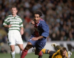 à Glasgow contre le Celtic, 1995